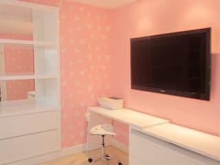 Monica Saravia Nursery/kid's room Pink