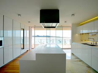 Classic style kitchen by GRAU.ZERO Arquitectura Classic