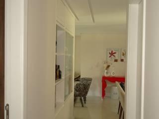 Apartamento no LeParc: Corredores e halls de entrada  por 2nsarq,Moderno