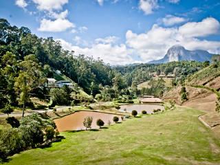 Condomínio Villaggio Verdi Jardins campestres por Carlos Eduardo de Lacerda Arquitetura e Planejamento Campestre