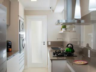 Cocinas de estilo moderno de Débora Noronha Arquitetura Moderno