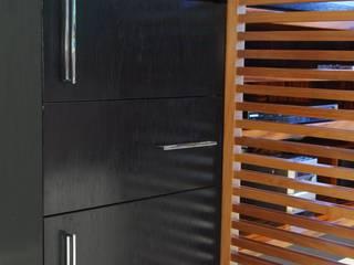 studio VIVADESIGN POR FLAVIA PORTELA ARQUITETURA + INTERIORES Sala da pranzo moderna
