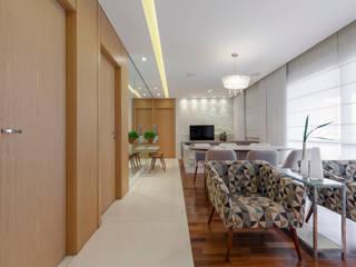 studio VIVADESIGN POR FLAVIA PORTELA ARQUITETURA + INTERIORES Soggiorno moderno