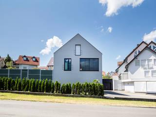 Nowoczesne domy od Schiller Architektur BDA Nowoczesny
