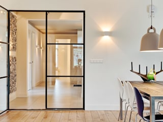Modern Corridor, Hallway and Staircase by Jolanda Knook interieurvormgeving Modern