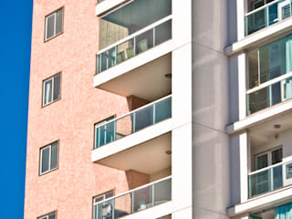 Ed. Caiobás - MORAR Construtora e Incorporadora Casas modernas por Carlos Eduardo de Lacerda Arquitetura e Planejamento Moderno