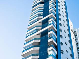 Ed. Roberta - Construtora Casa Linda Casas modernas por Carlos Eduardo de Lacerda Arquitetura e Planejamento Moderno