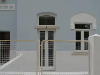 House - Arco do Cego, Lisbon: Casas  por QFProjectbuilding, Unipessoal Lda,Moderno