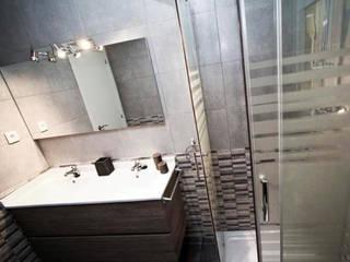 Salle de bain moderne par COETASA Moderne