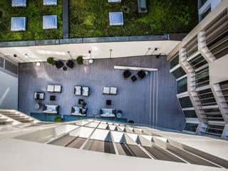 """Hotel """"The Passage"""", Basel - Öffentliche Terrasse:  Hotels von TimberTech®"""
