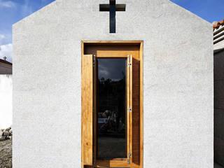 Chapel: Casas  por es1arq,Minimalista