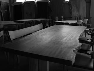一枚板テーブル: 飛騨コレクション くらしの制作所が手掛けたです。,
