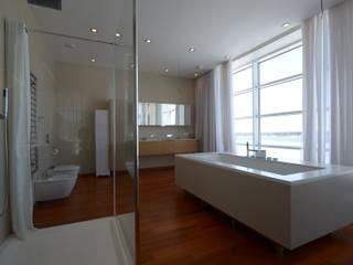 nadine buslaeva interior design Minimalist style bathroom