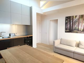 Appartement Parisien : Salle à manger de style  par Atelier Laurence-Sanchez
