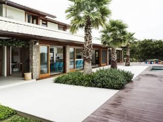 Modern Balkon, Veranda & Teras Flavia Guglielmi Arquitetura Modern