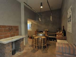 Bodegas de estilo clásico de Architetti Baggio Clásico