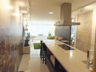 Reforma interior Cocinas de estilo minimalista de Disens Arquitectos Minimalista