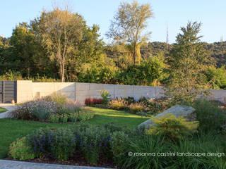 Un giardino collinare in stile Dutch Wave Giardino moderno di Rosanna Castrini Landscape Design Moderno