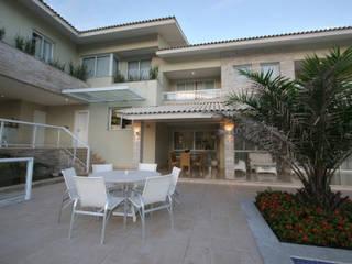 Rumah oleh CREATO ARQUITETURA E INTERIORES, Modern
