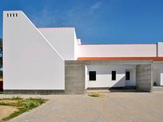 House in Coruche, Santarém Casas modernas por é ar quitectura Moderno