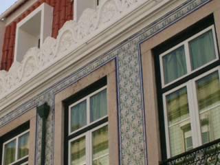 Flat at Graça, Lisboa Casas clássicas por é ar quitectura Clássico
