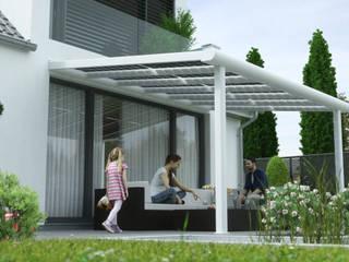 de estilo  por Solarterrassen & Carportwerk GmbH,