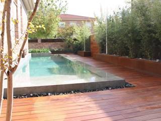 Paisajismo e Ingeniería Aplicada Classic style garden