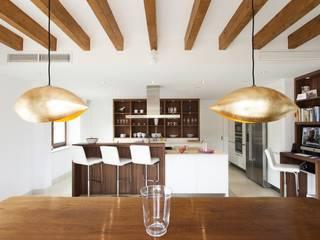 Moderne Wohnzimmer von Bornelo Interior Design Modern