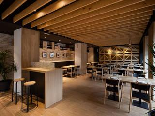 Don Jacobo La Bodega Persevera Producciones Comedores de estilo moderno Madera Acabado en madera