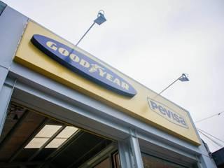 Goodyear - Pevisa Neumáticos:  de estilo  por PH Arquitectos