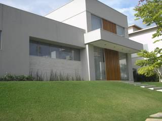 Casas modernas de Monica Guerra Arquitetura e Interiores Moderno