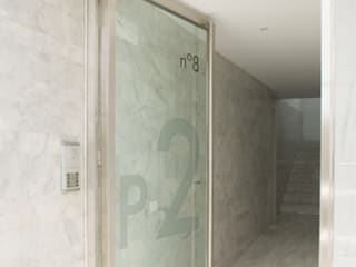Edificio 21 viviendas - Salobreña: Ventanas de estilo  de Gesdipro