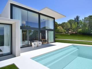 Casa prefabricada modular de hormigón Casas de estilo moderno de MODULAR HOME Moderno