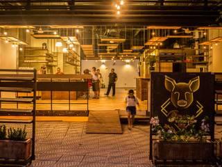 Restaurants de style  par Ensamble de Arquitectura Integral,