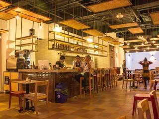 Restaurantes de estilo  por Ensamble de Arquitectura Integral, Industrial