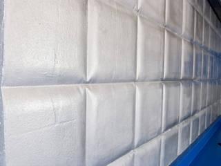 Panel de hormigón con molde de cuadros: Paredes de estilo  de MODULAR HOME