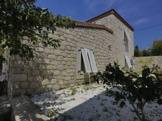 REISDERE EVİ / RESTORASYON PROJESİ Akdeniz Evler İBRAHİM TOPAL YAPI & MİMARLIK Akdeniz