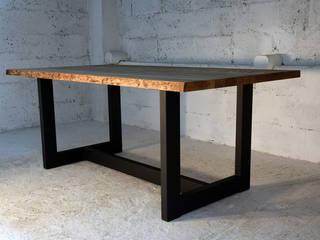 Stół Borer: styl , w kategorii  zaprojektowany przez Blaise Handmade Furniture