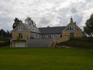 Rezydencja podmiejska: styl , w kategorii Domy zaprojektowany przez Biuro Architektoniczno-Budowlane s.c.