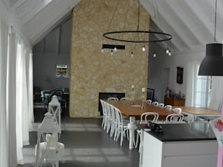 Rezydencja podmiejska Klasyczna jadalnia od Biuro Architektoniczno-Budowlane s.c. Klasyczny