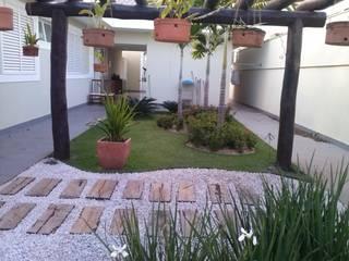 Borges Arquitetura & Paisagismo Jardines tropicales