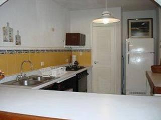 クラシックデザインの キッチン の DESARROLLOS INMOBILIARIOS BARCAM S DE RL DE CV クラシック