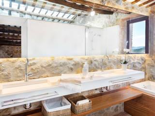 Pals, De la Torre 4, Cases Singulars de l'Empordà TONO BAGNO | Pasión por tu baño Baños de estilo rústico