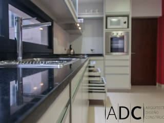 Obra Nueva - Cocina y Lavadero - Bº Pº Martin Fierro - Yerba Buena:  de estilo  por ADC - ARQUITECTURA - DISEÑO- CONSTRUCCION