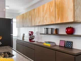 Cozinha - Projeto Santa Clara: Cozinhas  por LS ARQUITETURA,