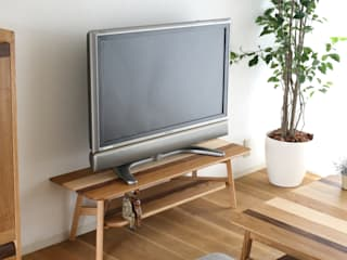 株式会社 大雪木工 Living roomTV stands & cabinets Wood Wood effect