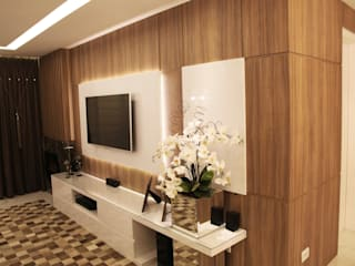 Suelen Kuss Arquitetura e Interiores SalasMuebles de televisión y dispositivos electrónicos Tablero DM Acabado en madera