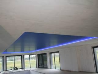 Piscines et Autres Espaces Bien être Piscine moderne par JULLIEN CONFORT & HARMONY Moderne