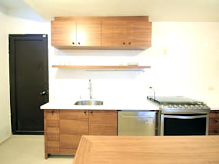D.I. Pilar Román Modern Kitchen Wood Wood effect