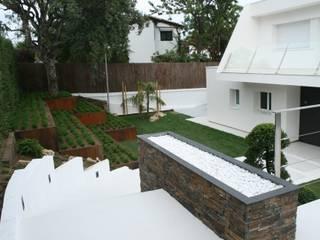 minimalistischer Garten von Jardines Japoneses -- Estudio de Paisajismo